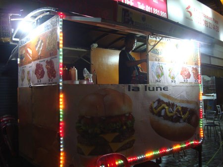 La Lune food stall near St 51