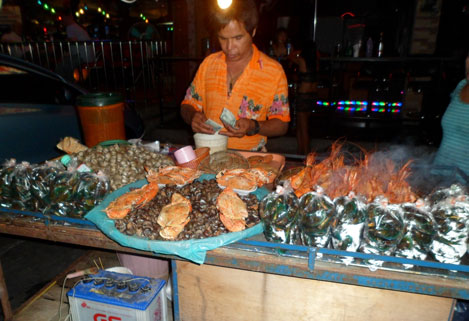 Cheap seafood by street vendors in Thailand